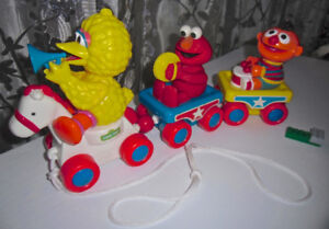 SESAME STREET MUPPETS MIX OF TOYS