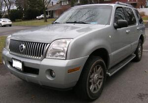 2005 Mercury Mountaineer Premier  AWD