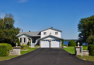Waterfront Pembroke House - 2 1/2 % for Agents.