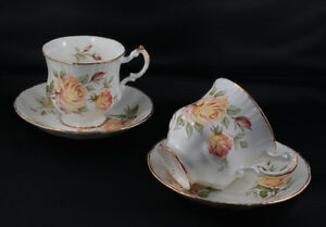 Paragon Appt to the Queen Peace Roses Teacup & Saucer Pair