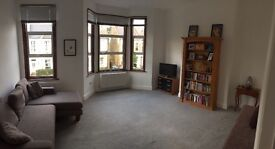 Newly decorated 2 bedroom flat in Kensal Green.
