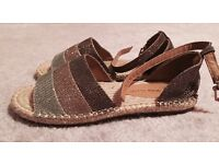 Ladies size 5 Espadrille type sandals