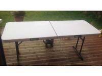 Heavy duty fold up table