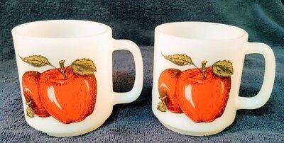 Glasbake Milk Glass Mug with Apples / set of 2