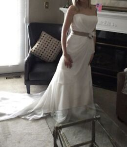 BRAND NEW WEDDING GOWN - ONLY WORN TO MODEL PHOTOS!