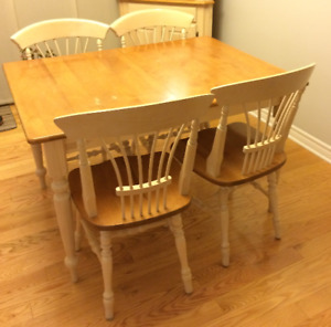 Canadel Dining Table, 4 chairs, Made in Canada