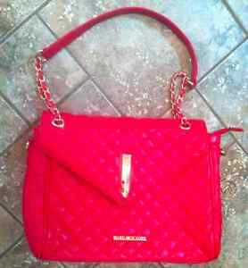 new red purse Cornwall Ontario image 1