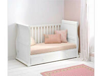 STUNNING EAST COAST WHITE SLEIGH COT BED