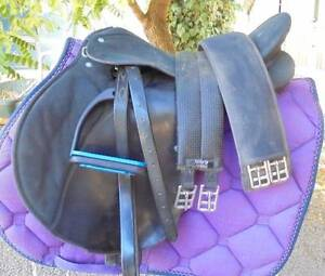 Wintec Saddle Byford Serpentine Area Preview