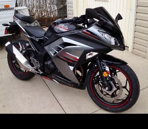 2013 Ninja 300 Special Edition, only 2614 km