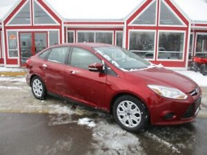 2014 Ford Focus SE AUTOMATIC AIR HEATED SEATS!! BLUETOOTH VOICE