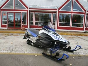 2009 YAMAHA RS VECTOR ELECTRIC START!! REVERSE!! HEATED GRIPS!!
