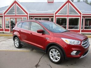 2017 Ford Escape SE HEATED SEATS BACK UP CAMERA!! BLUETOOTH VOIC