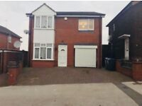 4 Bedroom Detached House to let in West Bromwich B70 9PZ