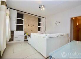 2 Double Bed Beautiful Flat, Streatham