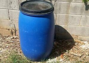 150 LITRE BLUE DRUM POLYTHENE CHEMICAL PLASTIC STORAGE WITH LID Slacks Creek Logan Area Preview