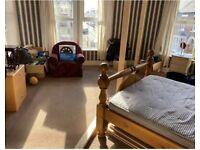 Large Double Bedroom in Roath Park