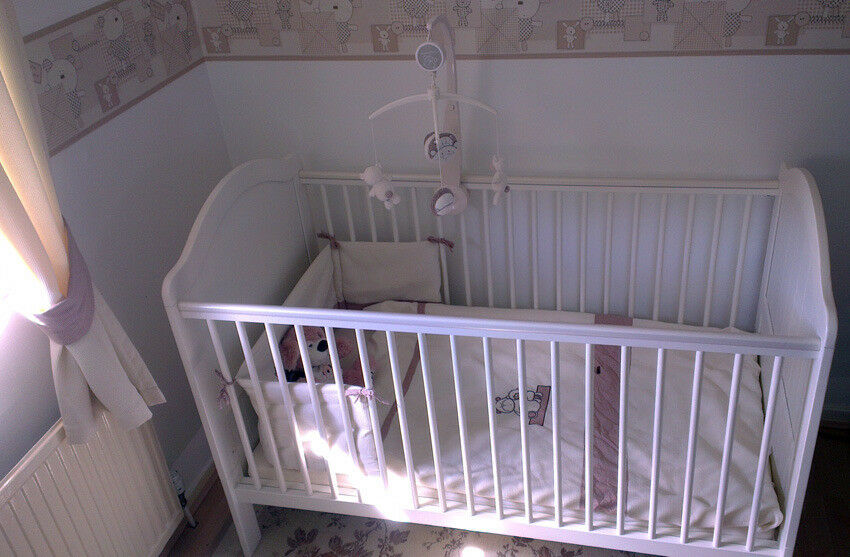 Mamas Amp Papas Cot Cot Bed With Full Nursery Set In