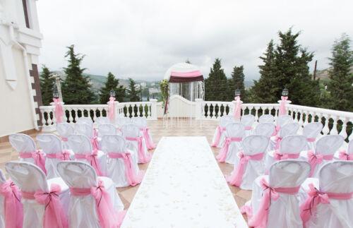 Hochzeitsdekoration mit schleifen b ndern ratgeber f r for Raumgestaltung hochzeit