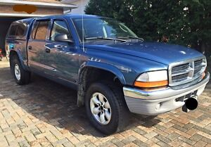 *REDUCED*2004 Dodge Dakota 4X4 with Cap
