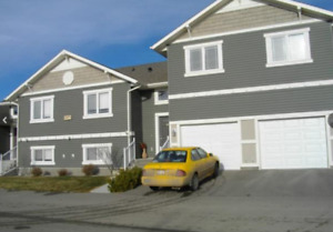 3 Bedroom Townhouse Condo + Garage