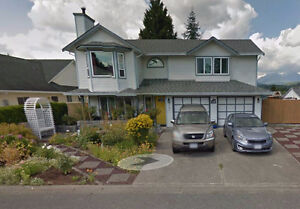 4br - 2543ft2 - SPACIOUS 4 BR HOUSE IN CENTRAL MAPLE RIDGE