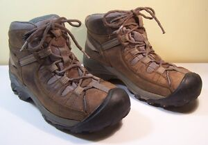 Keen size 8 men's hiking boots