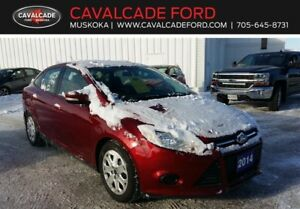 2014 Ford Focus Sedan SE with htd seats and htd mirrors!!
