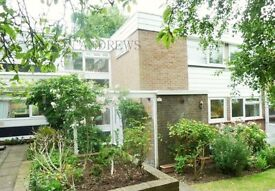 3 bedroom house in Whiteledges, Ealing, W13