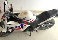 2013 Honda cbr250R with abs. Low km!! Like new!!