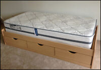 Lit ** Daybed / Single bed frame with Simmons Backguard mattress