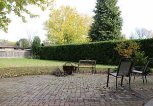 15 Harrow Court Totally Update and Renovated! 50x160 mature lot! London Ontario image 2