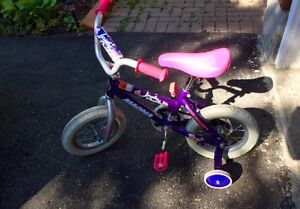 """12"""" inch bicycle for girls with training wheels _ like new."""