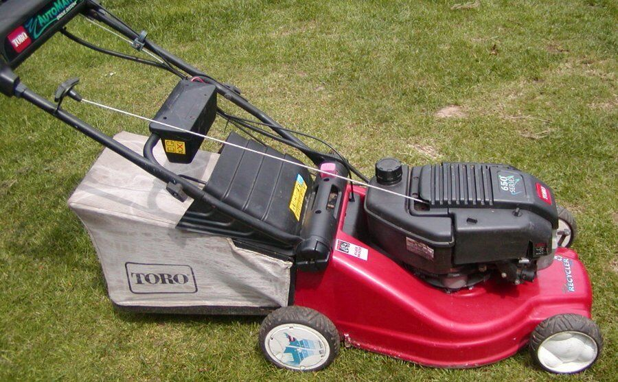Toro 650 Series Petrol Lawnmower With Key Start In