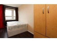 FABULOUS LARGE DOUBLE ROOM WITH WIFI IN NICE MODERN FLAT!