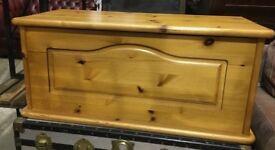 Large Pine Blanket Box - Storage Box - Toy Box