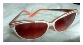 Guess Pink Cateye sunglass UV protection 50s vintage style. Open to offers on price!