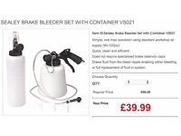 SEALEY BRAKE BLEEDER SET WITH CONTAINER VS021