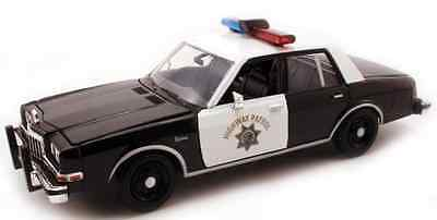 Motormax 1/24 CHP California Highway Patrol 1986 Dodge Diplomat Police Car 76466