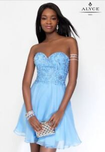 JUNIOR GRAD/PROM DRESS