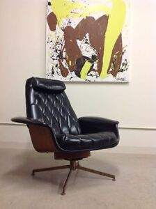MID CENTURY PLYCRAFT LOUNGER - Live In Retro!
