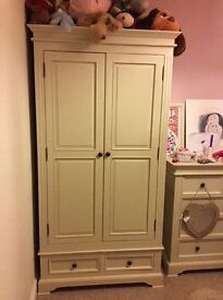 Solid bedroom set. £1500 new