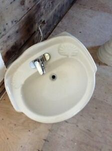 Bathroom Pedestal Sink with tap included