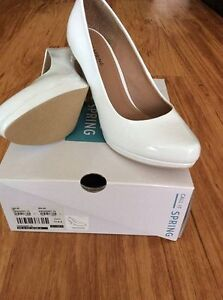 Spring Swaggart white heels - size 8
