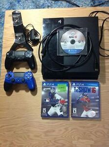 ps4 with nhl16 mlb15/16. 2 controllers