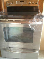 Stainless Steel GE Range with Glass Top