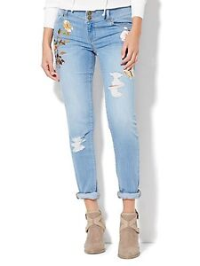 Soho Embroidered Boyfriend Jeans, new with tag, size 18