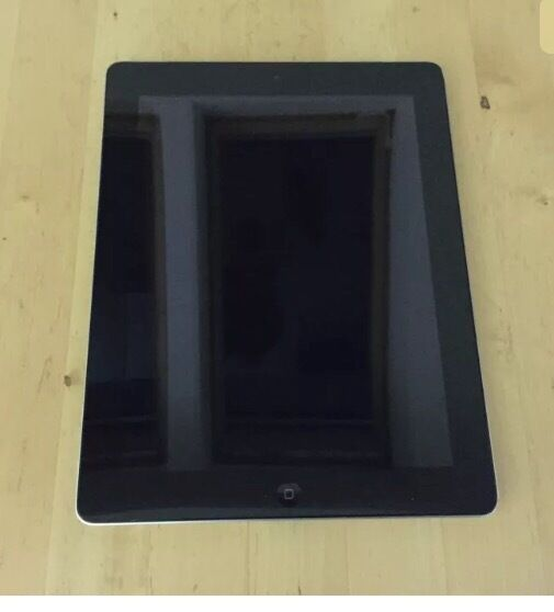 Apple iPad 2 ,16gb ,wifi only , 9.7in, comes with original box.