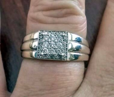 Men's 9ct White Gold Diamond Ring Size S