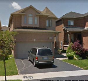 4Bd 4Bath Home in Richmond Hill for Rent(Bathurst/19th)